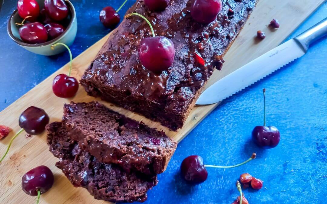 Vegan kersen-chocoladecake (glutenvrij, whole food plant-based)
