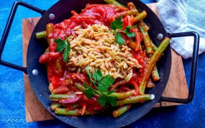 Recept rijst met sperziebonen in knoflook-tomatensaus