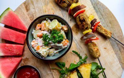 Plantaardig Vegan BBQ spies en salade