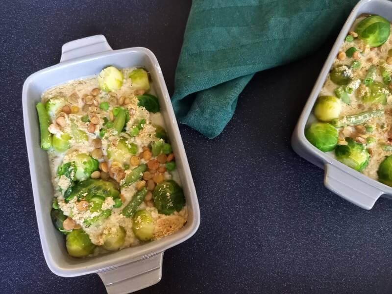 Groene groenten ovenschotel (spruitjes, sperziebonen, tuinerwten, prei)