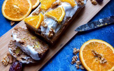 Smeuige vegan yoghurt cake met sinaasappel en walnoten