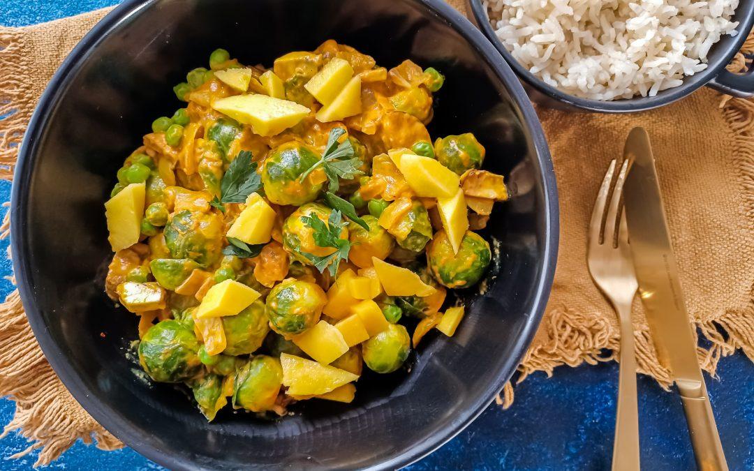 Spruitjes curry met zilvervliesrijst en mango