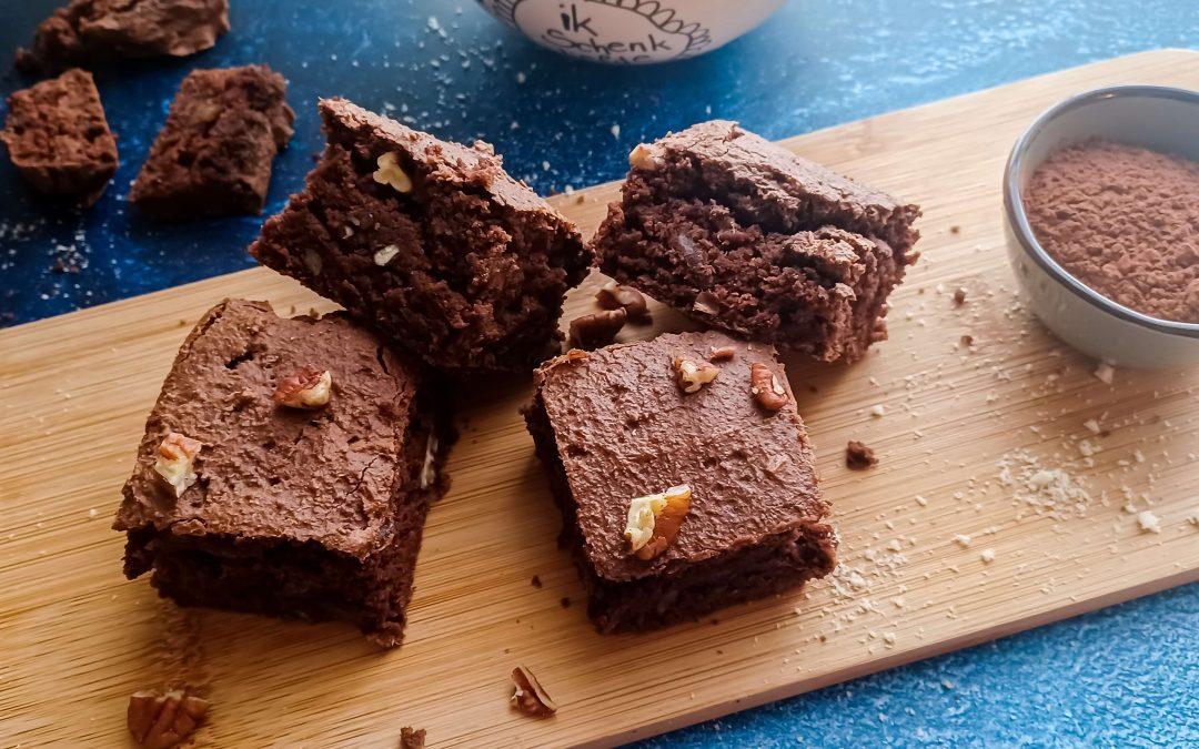 Vegan brownie met pecannoten